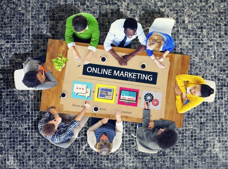 Online strategia marketingowa Oznakuje handel Reklamowy pojęcie zdjęcia royalty free