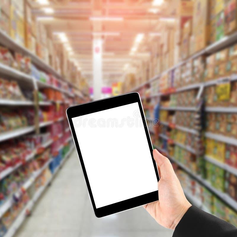 Online zakupy przez ogólnospołecznych środków obraz stock