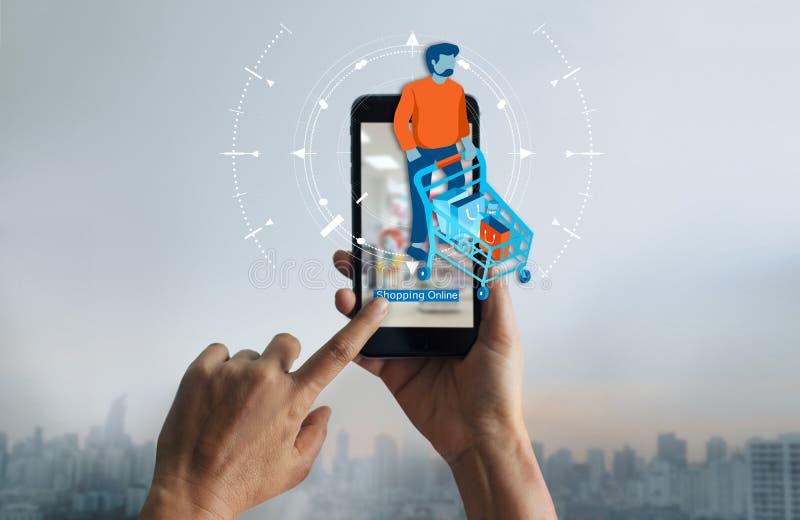 Online zakupy, ręki kobieta sklepu online używa mobilny smartphone i ikona klient z fura zakupy na ekranie, obraz royalty free