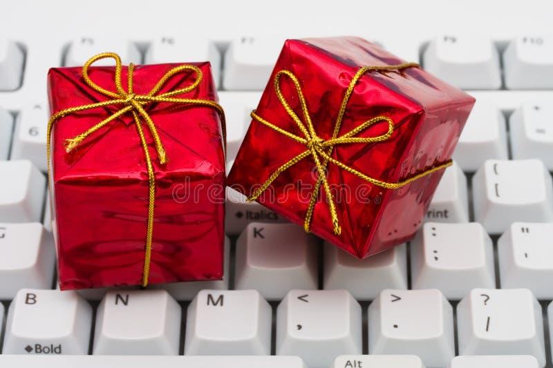 Onlineweihnachtseinkaufen stockfotografie