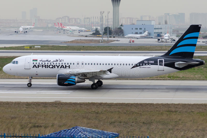 5a-ONO Afriqiyah Airways, Luchtbus A320-214 royalty-vrije stock afbeeldingen