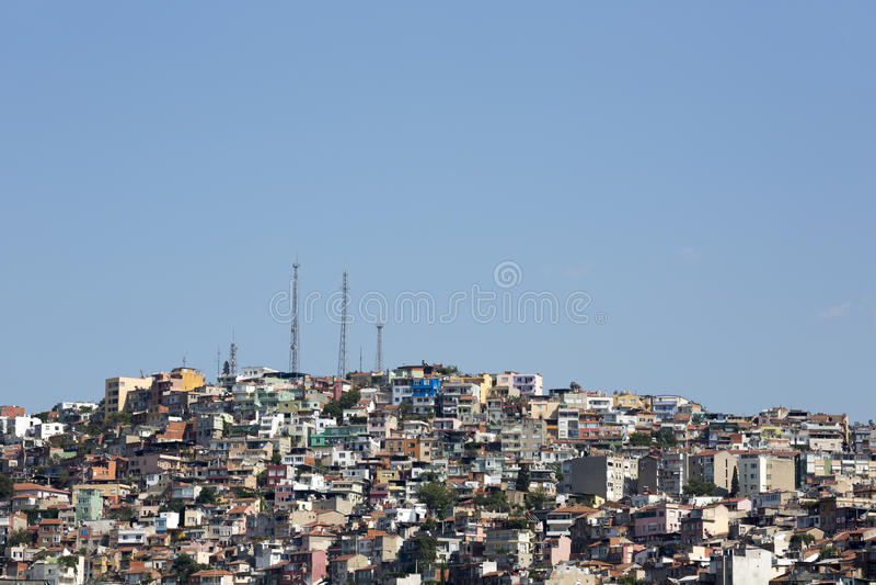 Onregelmatige urbanisatie in Izmir, Turkije stock afbeelding