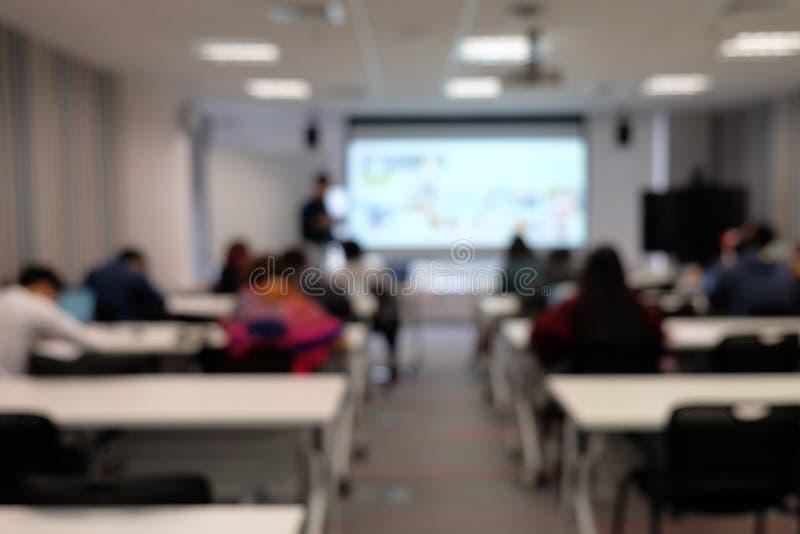 Onscherp beeld van seminarie in klaslokaal royalty-vrije stock foto