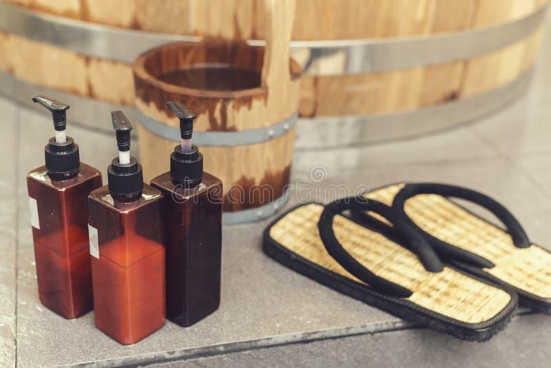 Onsen serie: badutrustning royaltyfri fotografi
