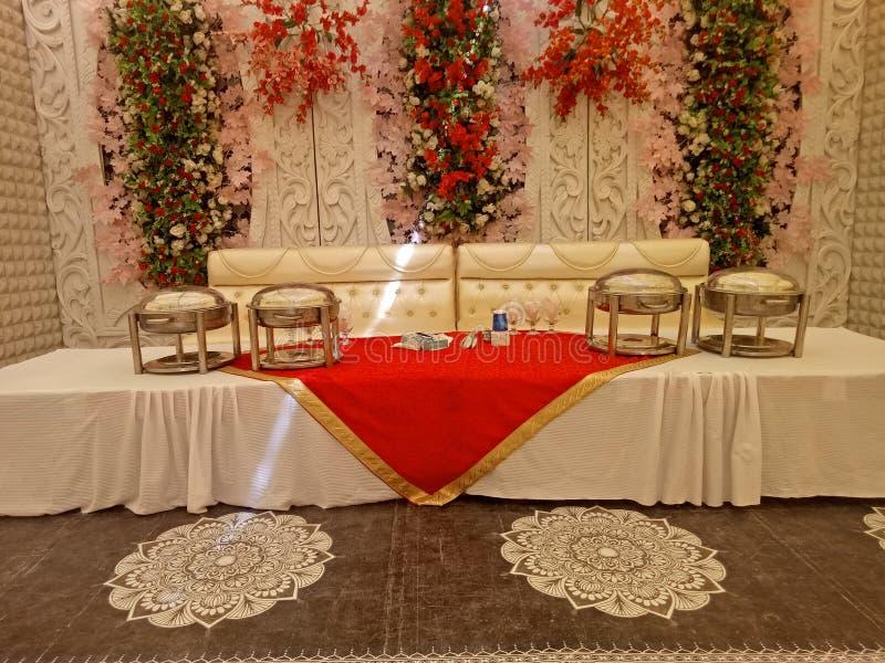OnsideTheWall fleurissant artificiel pour épouser l'événement photo stock