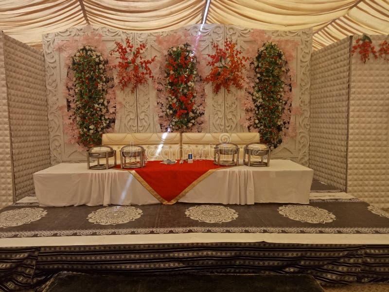 OnsideTheWall fleurissant artificiel pour épouser l'événement photos stock