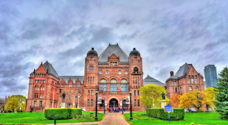Ontario parkerar lagstiftnings- byggnad på drottning` s i Toronto, Kanada arkivfoto