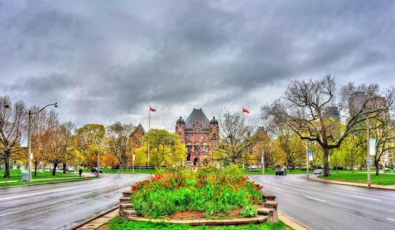 Ontario parkerar lagstiftnings- byggnad på drottning` s i Toronto, Kanada arkivbild