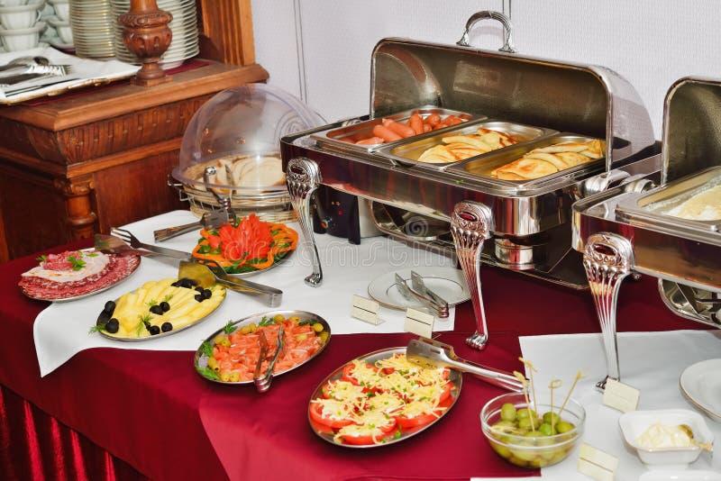 Ontbijt bij het hotel. Het Buffet van het ontbijt. stock fotografie