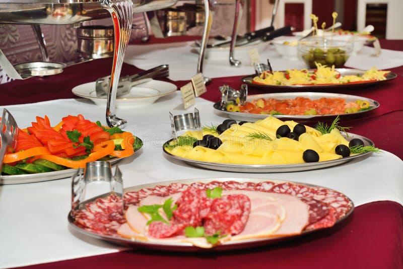 Ontbijt bij het hotel. Het Buffet van het ontbijt. royalty-vrije stock foto