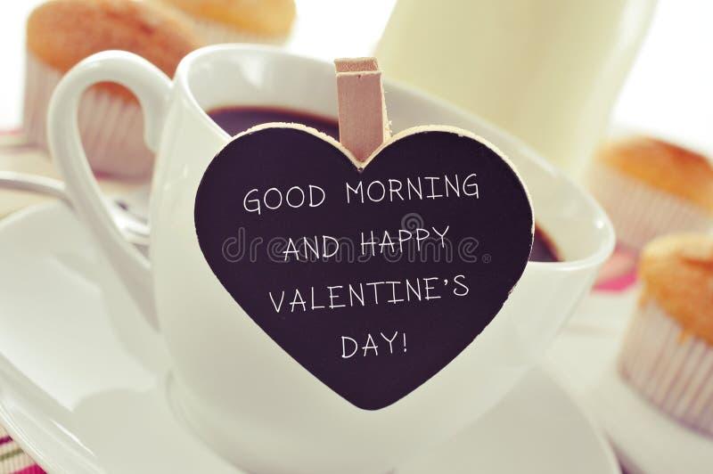 Ontbijt en tekstgoedemorgen en gelukkige valentijnskaartendag royalty-vrije stock foto's