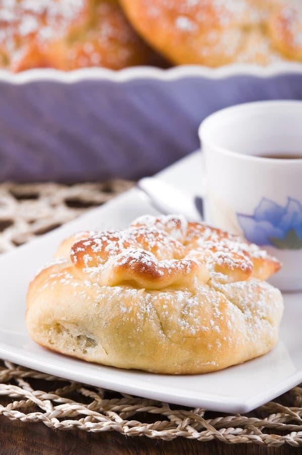 Ontbijt met brioches. royalty-vrije stock foto's