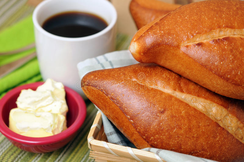 Download Ontbijt Met Koffie En Brood Stock Foto - Afbeelding bestaande uit brood, smaak: 29511080