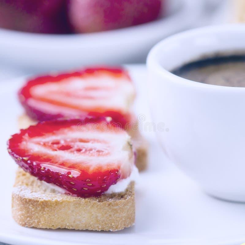 Ontbijt met koffie stock foto