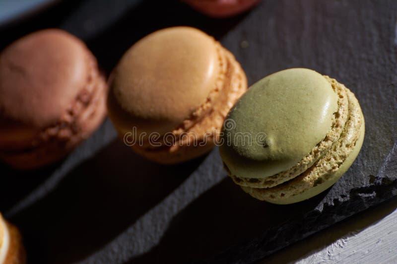 Ontbijt van macarons houten splinter royalty-vrije stock afbeelding