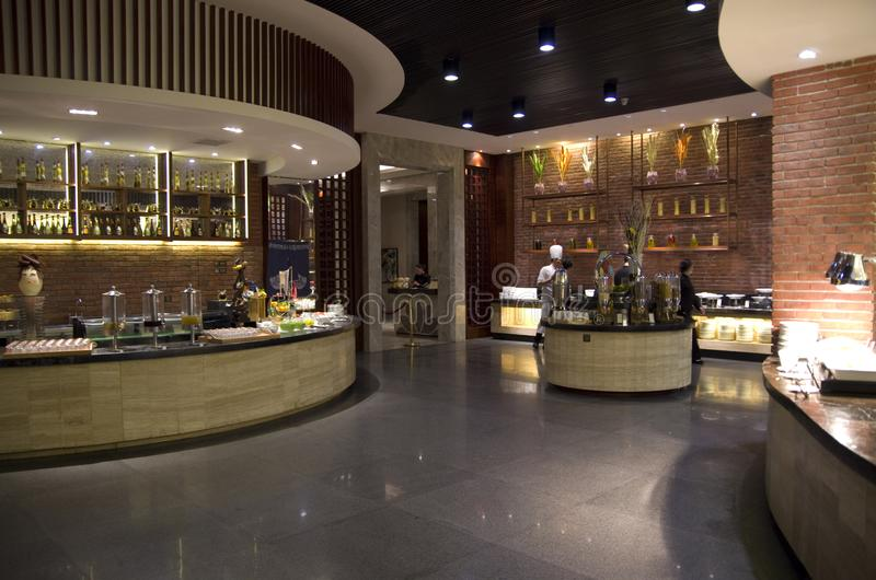 Ontbijtbuffet Resturant, Hilton Hotel Mount Sanqing, Sanqingshan, Jiangxi royalty-vrije stock foto's