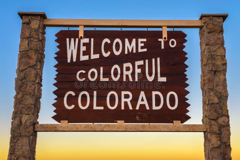 Onthaal aan de Kleurrijke verkeersteken van Colorado royalty-vrije stock afbeeldingen