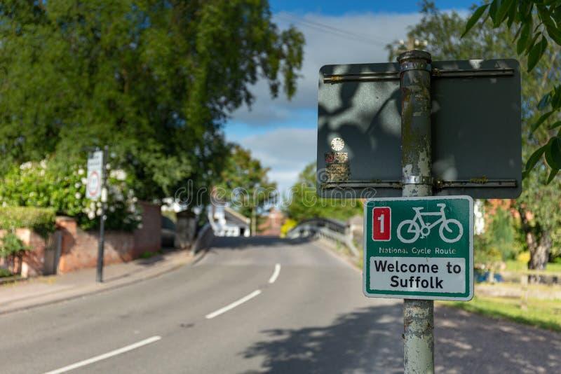 Onthaal aan Nationale de Cyclusroute Nummer 1 van Suffolk teken in Beccles stock fotografie