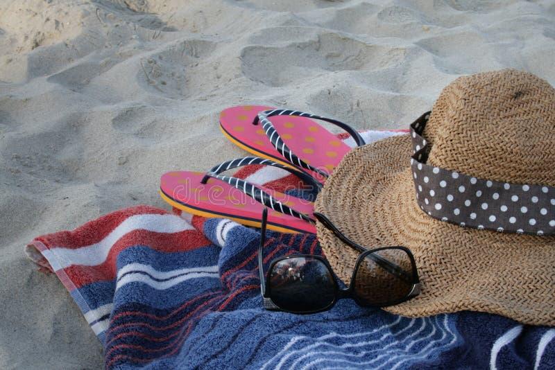 Ontspan op het strand stock afbeeldingen