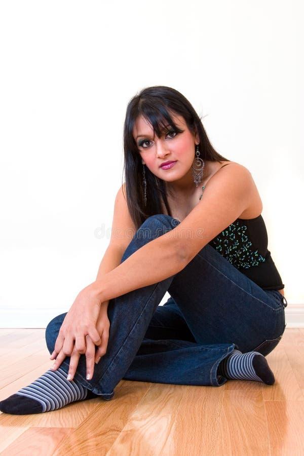 Ontspannen Indische vrouw royalty-vrije stock fotografie