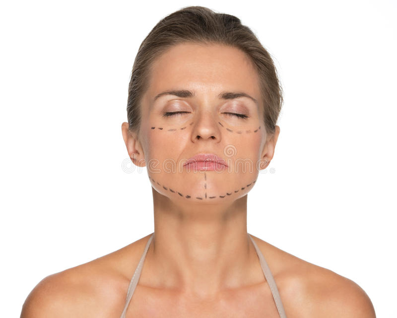 Ontspannen jonge vrouw met plastische chirurgietekens royalty-vrije stock foto's