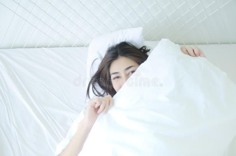 Ontwaken in de ochtend royalty-vrije stock afbeeldingen