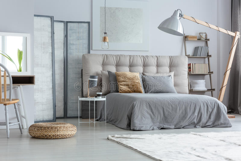 Ontwerp moderne slaapkamer stock afbeelding