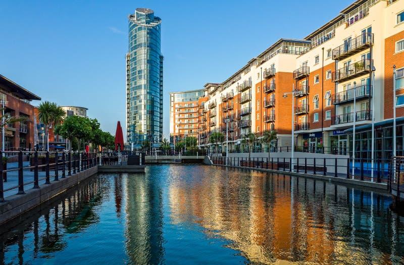 Ontwikkeling van de waterkant in Portsmouth, het UK royalty-vrije stock foto