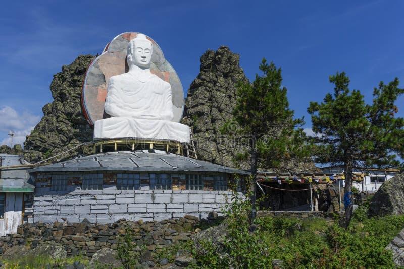 Onvolledig standbeeld van Boedha op Onderstel Kachkanar in het Oeralgebergte royalty-vrije stock foto