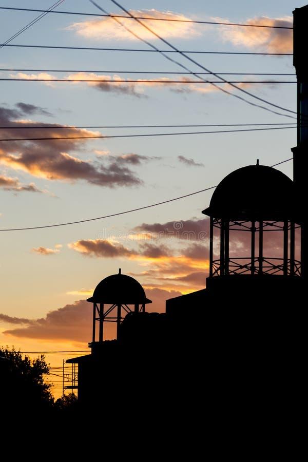 Onvolledige kerk bij de zonsondergang royalty-vrije stock afbeeldingen