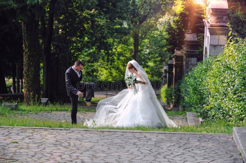 Onvoorzien tijdens het schieten van een huwelijk