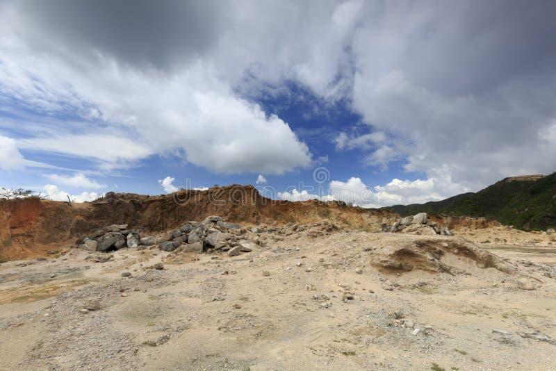Onvruchtbare berg stock afbeeldingen