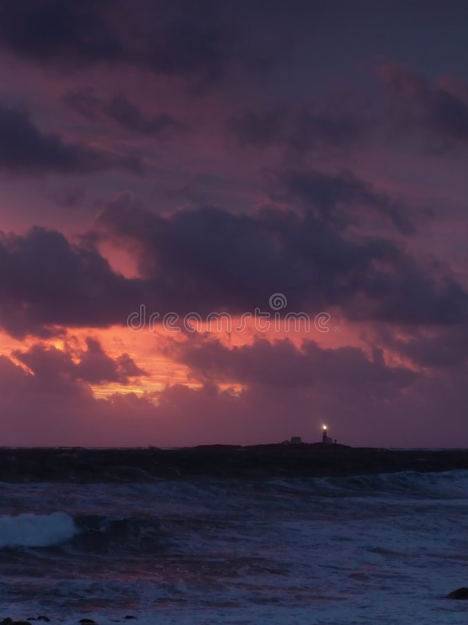 Download Onweer stock foto. Afbeelding bestaande uit weer, zonsondergang - 25236