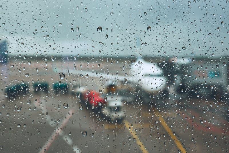 Onweer bij de luchthaven royalty-vrije stock foto