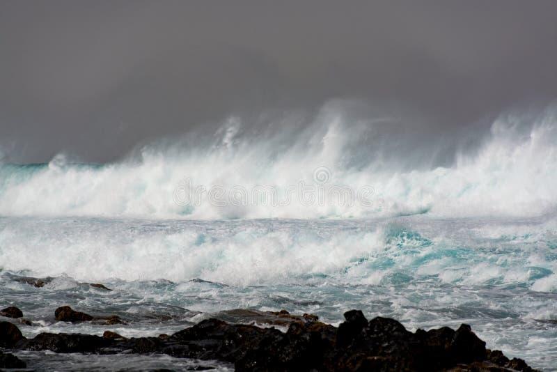 Onweer in de Atlantische Oceaan stock fotografie