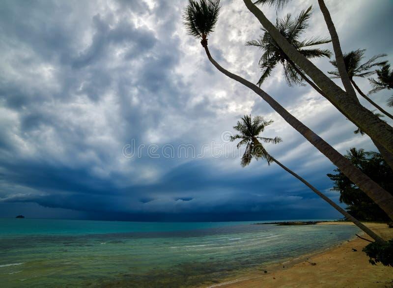 Onweer op het eiland royalty-vrije stock afbeelding
