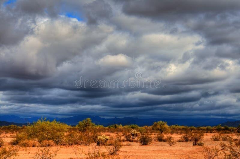Onweer over de Woestijn royalty-vrije stock afbeeldingen