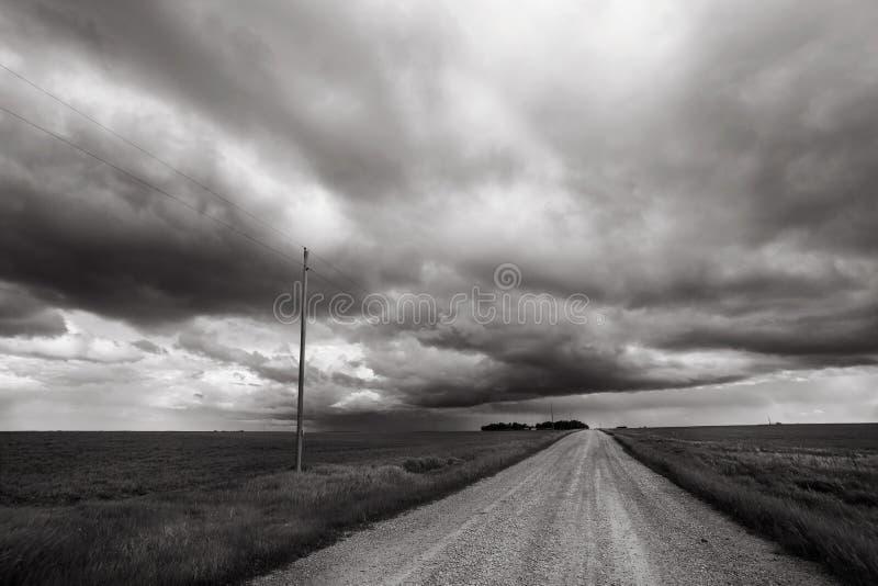Onweersslagen door het landelijke platteland van Alberta stock afbeeldingen