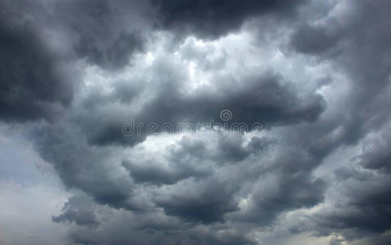 Onweerswolken, bewolking royalty-vrije stock foto