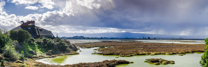 Onweerswolken die Alviso-moeras, San Jose naderen royalty-vrije stock afbeelding