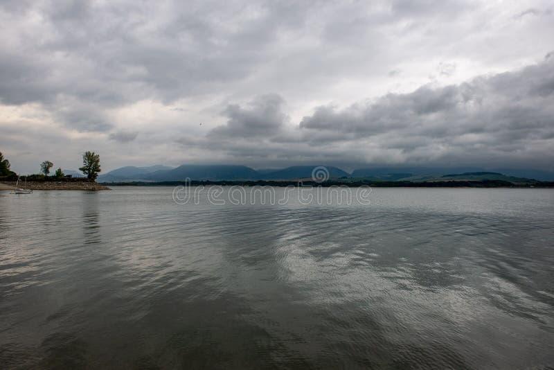 onweerswolken over gebieden in Slowakije royalty-vrije stock afbeelding