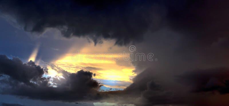Onweerswolkenpanorama stock fotografie