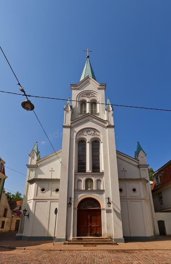 Onze Dame van Verdriet katholieke kerk (XVIII c ) in Riga, Letland stock afbeeldingen