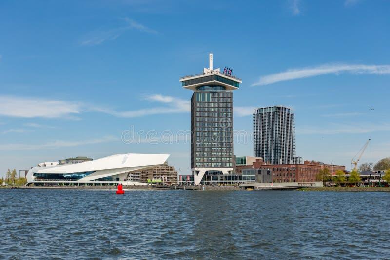 OOG Filmuseum en `-toren van het DAMvooruitzicht stock fotografie