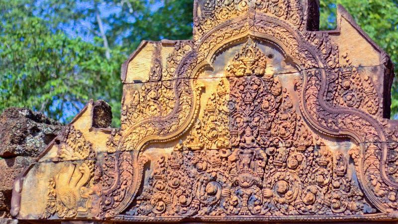 Oogst de de tempel Khmer architectuur van Banteaysrei in siem Banteay Srei is één van de populairste oude tempels in Siem oogst royalty-vrije stock afbeeldingen