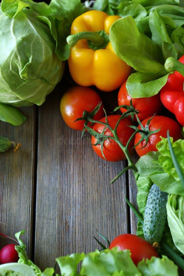 Oogst van verse groenten stock foto's