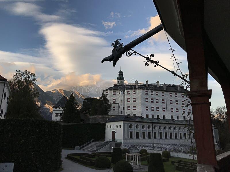 Ooking Ambras城堡施洛斯从大阳台的Ambras因斯布鲁克 免版税库存照片