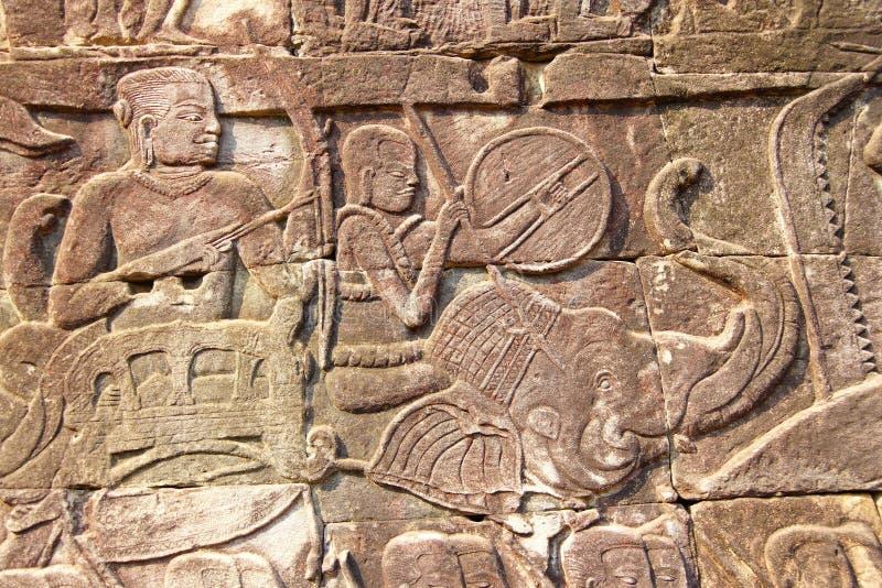Oorlogsolifant die in slag laden stock afbeelding
