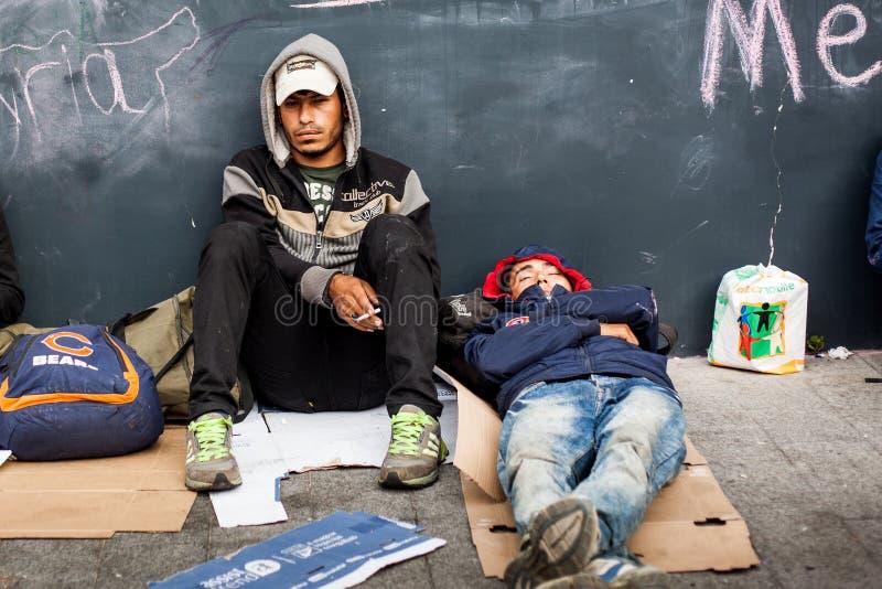 Oorlogsvluchtelingen bij het Keleti-Station royalty-vrije stock fotografie