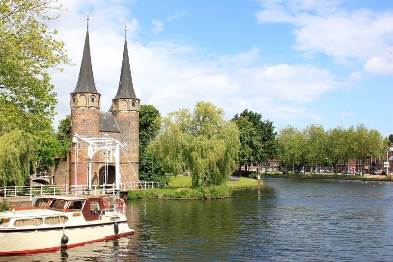 Oostelijk Poort en Rijn-Schelde Kanaal, Delft stock afbeeldingen